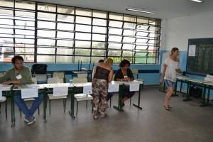 Mais de 5,4 mil eleitores comparecem às urnas para eleger conselheiros tutelares em Ferraz