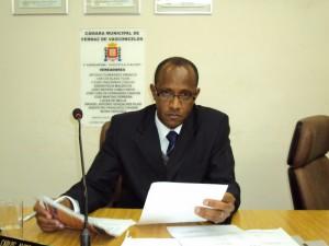 Vereador propõe a manutenção de caixas d'água em escolas e postos de saúde