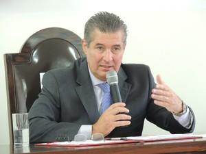 Câmara Municipal aprova o título de cidadão ferrazense ao presidente do TJ-SP