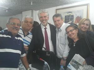 Vereador Edson (3º dir), sec. mun. de Educação de SP, Cesar Calegari (centro) e membros do PSB de Ferraz
