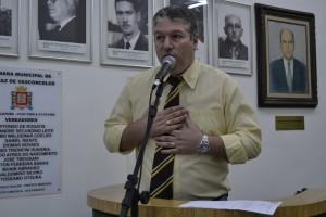 Edson Cury protesta contra o aumento abusivo na tarifa de ônibus municipais