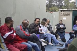 Claudio Ramos debate políticas públicas na Vila Corrêa