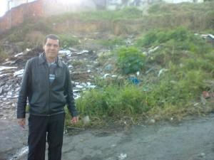 Pastor Nelson exige à desobstrução de calçadas no Jardim Brígida