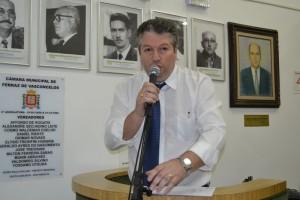 Edson Cury parabeniza a Escola Professora Olzaneti Gomes por feira regional