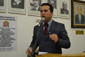 Claudio Ramos questiona à aplicação de recursos do Fundeb