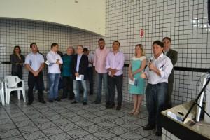 Vereador Fabinho (1º dir) declara apoio a campanha de doação a fundo