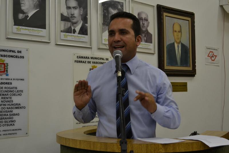 Claudio Ramos lidera abaixo-assinado por melhorias no Hospital Regional
