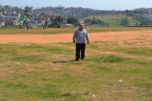 Valtinho do Ipanema quer a colocação de grama sintética em campo na Vila Santo Antonio