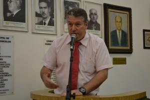 Edson Cury apresenta moção a 1ª Vara do Trabalho