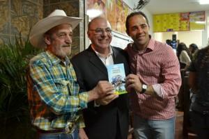 Vereadores recepcionam deputado federal no San Giovanni