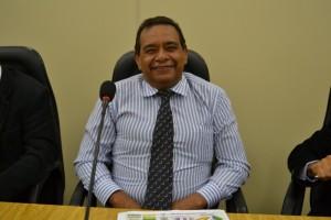 Vereador propõe asfaltamento e tapa-buraco na Vila SP