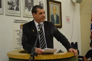 Vereador Pastor Nelson (PRB) autor de projetos sobre farmácias receberem remédios vencidos