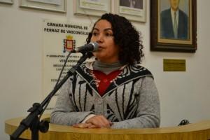 Vereadora aciona Prefeitura para fechar buracos no TV
