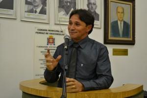 Vereador Fabinho (PSDB) reforça pedido de instalação de linha de ônibus