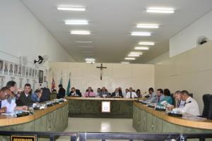 Vereadores aprovam a regulamentação do uso do plenário