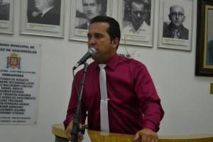 Petista questiona o número de linhas  até o Hospital Regional