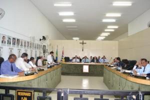 Câmara recria Comissão Processante contra prefeito afastado