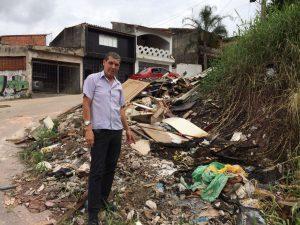 Pastor Nelson cobrará a retirada de lixo no Castelo Branco