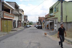 Vila aguarda a conclusão de rede coletora de esgoto em Rua