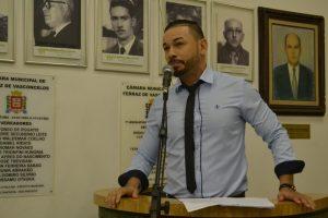 Xandão contesta a reforma de posto de saúde no Luiz Mauro