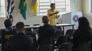 Renatinho critica demora na compra de viatura para a GCM