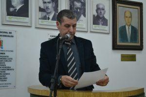 Pastor Nelson insiste com a conclusão de muro na Vila Cristina