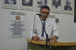 Neto Cambiri cobra pressa no conserto de esgoto na Vila Cristina