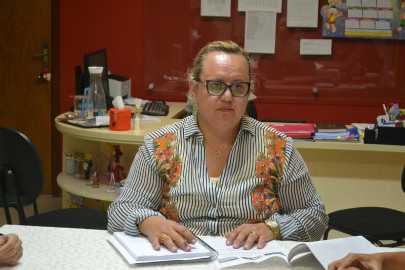 Ferraz decide cortar a gratificação de professores municipais