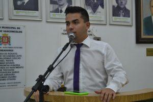 Renatinho pede convocação do secretário de Serviços Urbanos
