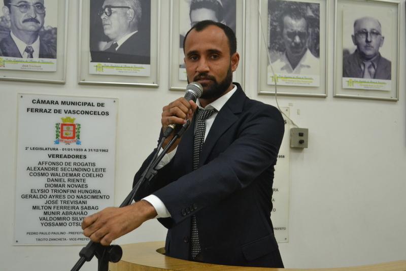 Mineiro propõe a concessão de incentivos a táxis acessíveis