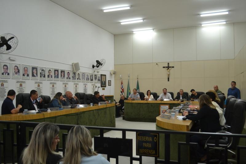 Prefeitura promete apresentar alternativa a bônus de professores no final do mês