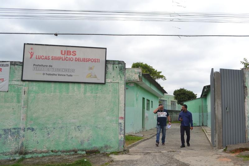 Vereador vistoria posto de saúde para levantar problemas na estrutura física