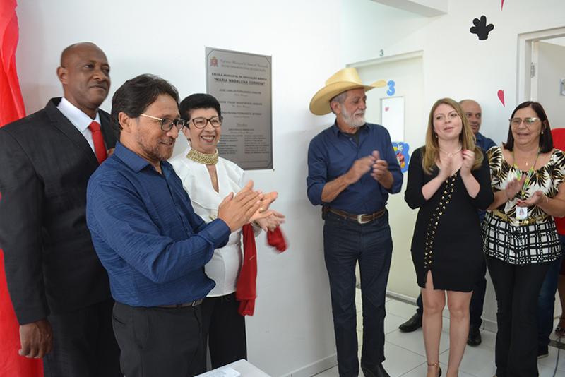 Fabinho comemora inauguração de creche municipal na Vila Santa Margarida