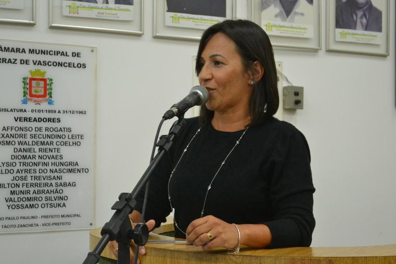 Rose Fitness denuncia o abandono de prédio escolar no Jardim Anchieta