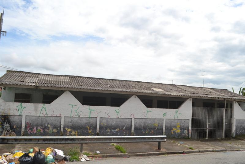 Prefeitura desiste de demolição e promete reformar prédio escolar no Jardim Anchieta