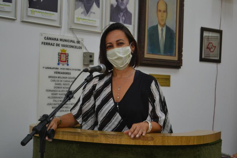 Rose Fitness questiona a falta de muro de proteção na Rua Ayrton Senna na Vila Cristina