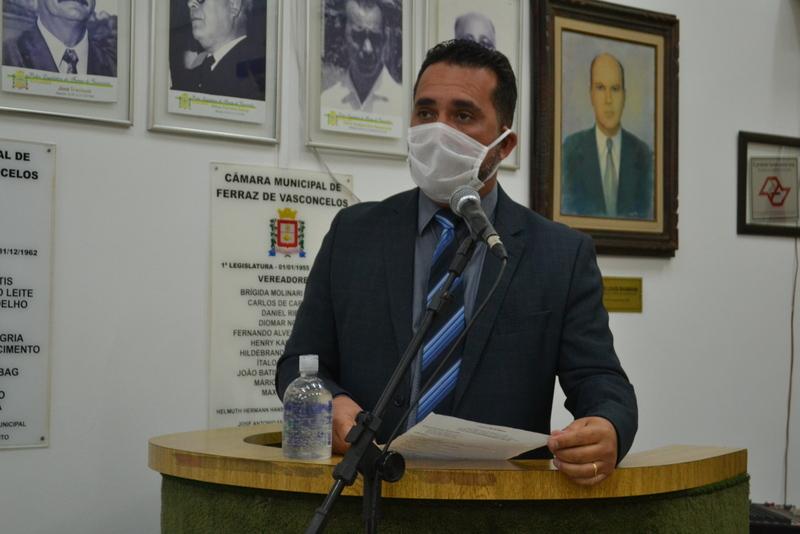 Vereador tenta por meio de lei obrigar Prefeitura a ajudar condutores escolares na pandemia