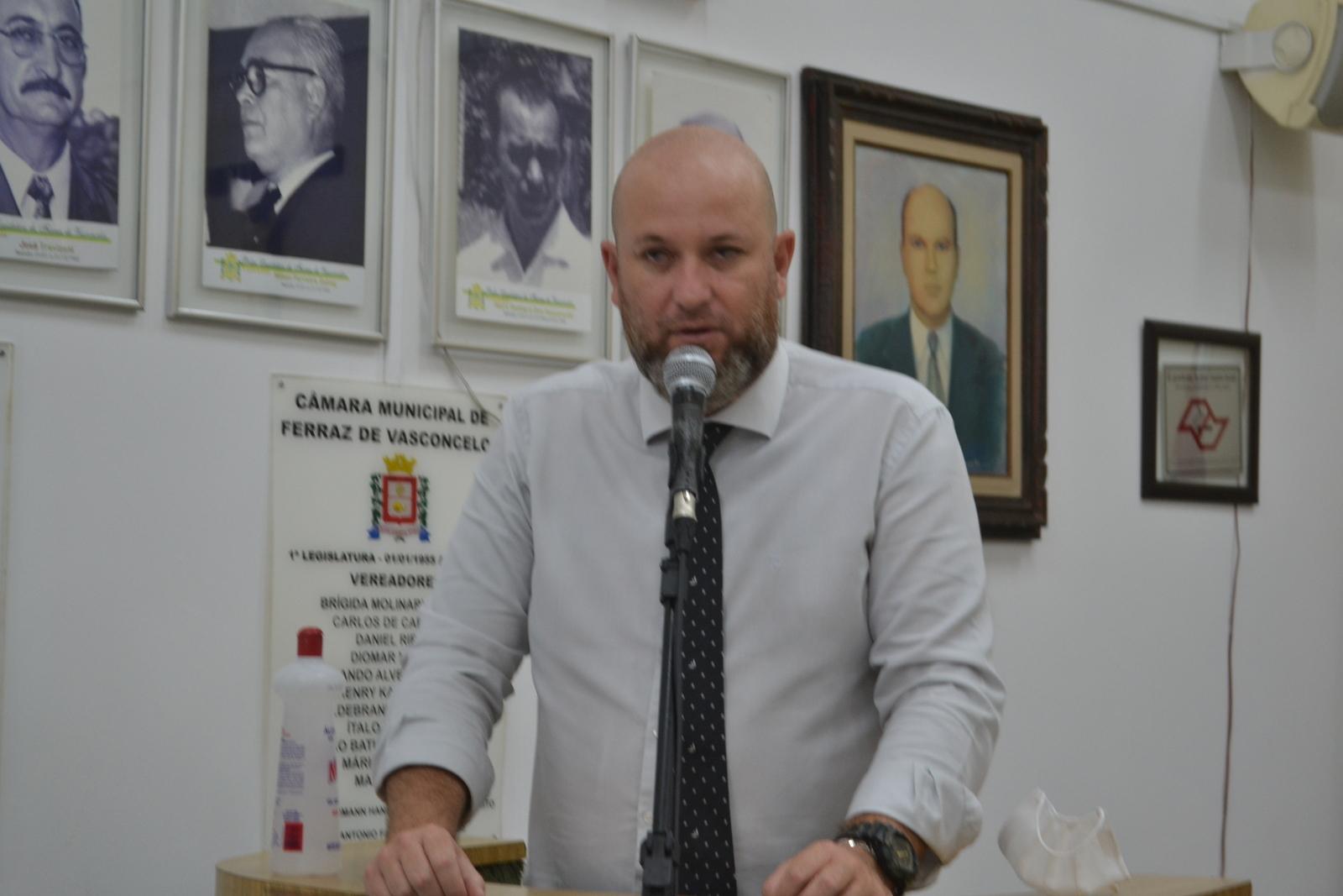 Squizato critica a Prefeitura Municipal por atrasar repasses da Educação e Saúde para APAE