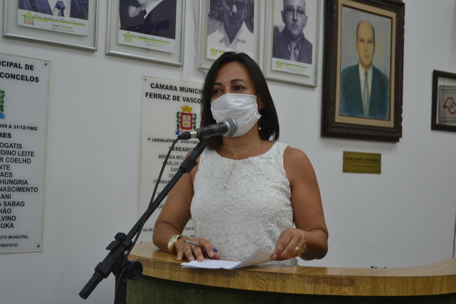 Rose Fitness cita a solidariedade como arma de enfrentamento à pandemia da Covid-19
