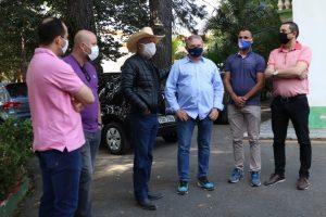 Mineiro acompanha visita de ex-deputado que mandou R$500 mil para obras na cidade