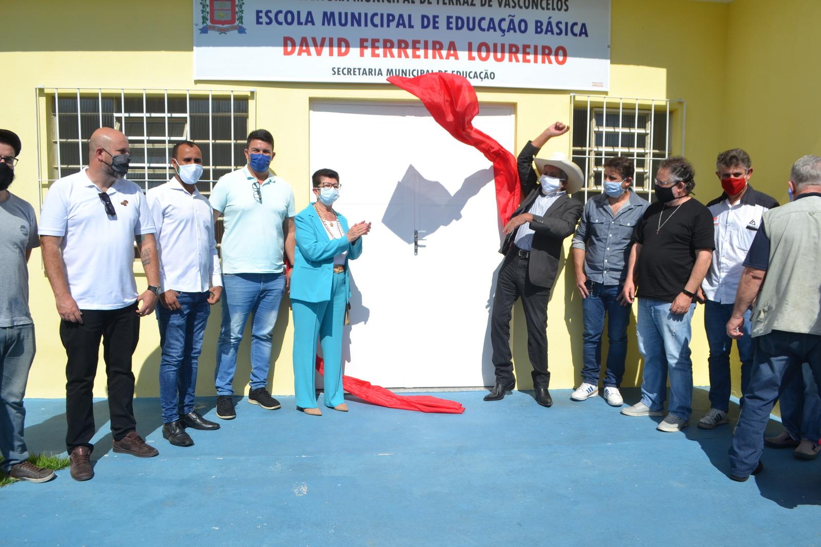 Prefeitura inaugura creche com capacidade para atender 75 crianças na Vila Santo Antônio