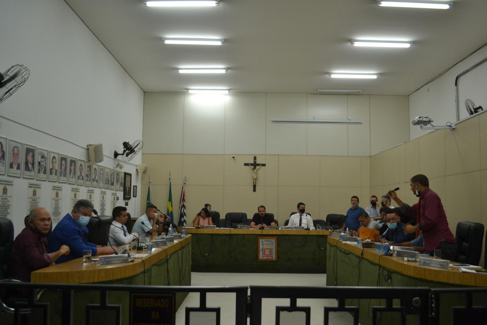Em sessão extraordinária, vereadores aprovam  reorganização administrativa em 2º turno