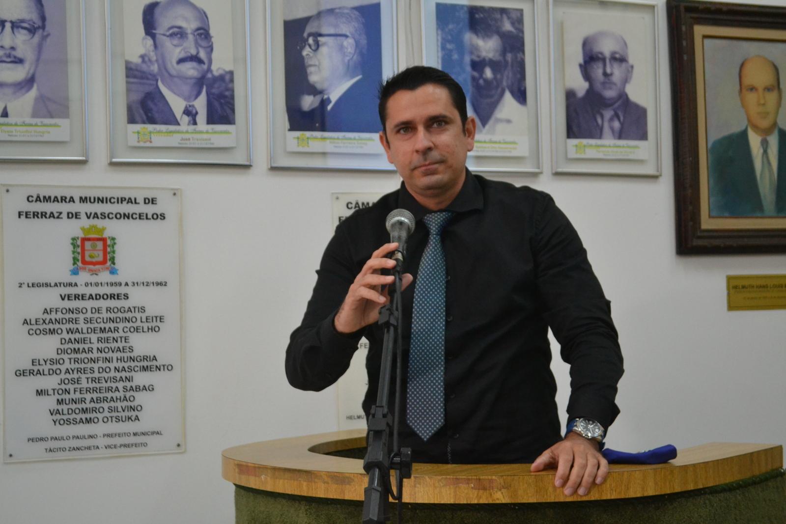 Diretor Everton quer transportadores escolares isentos de impostos e taxas municipais