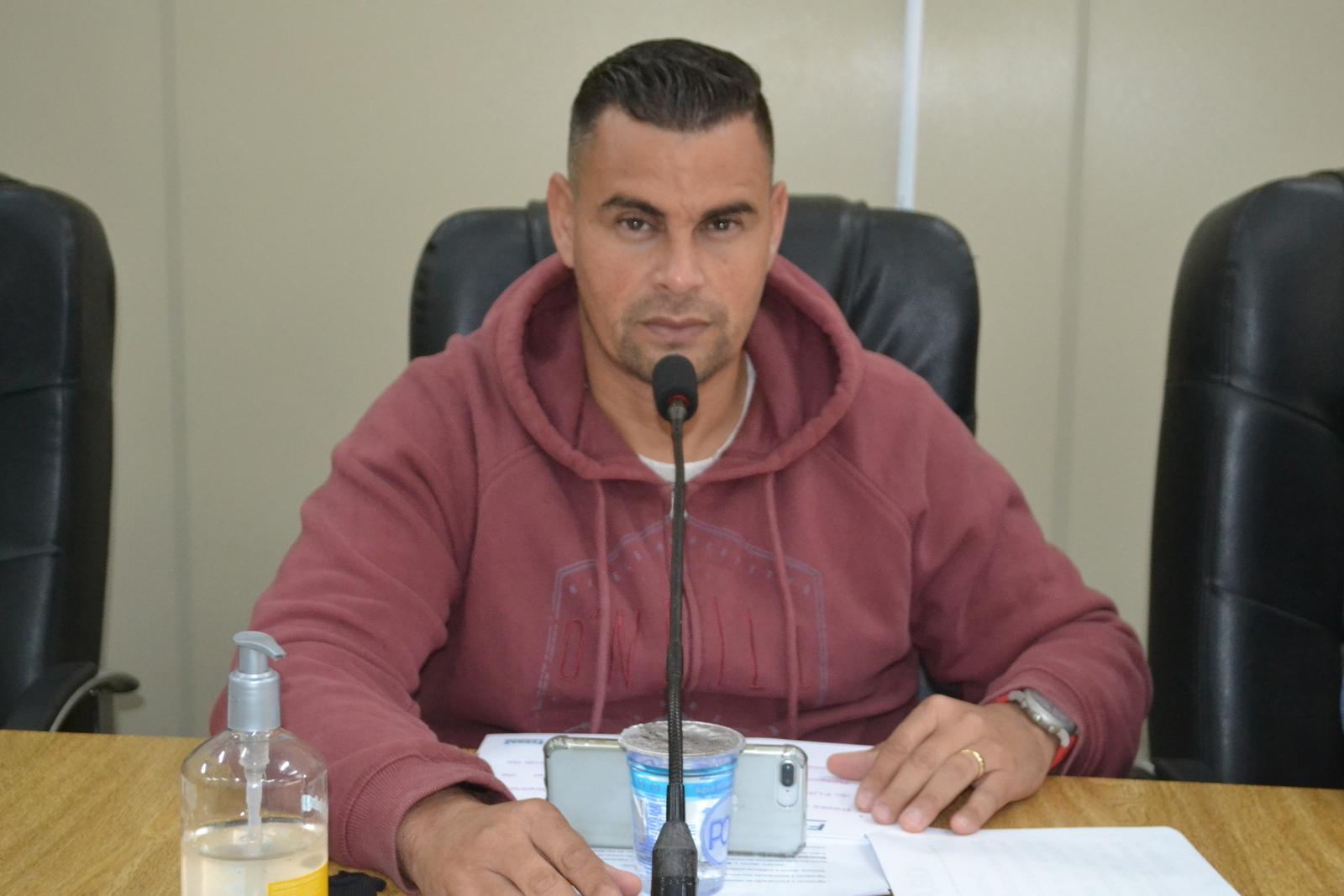 Vereador Teteco propõe operação tapa-buraco nos Jardins San Giovanni e São João