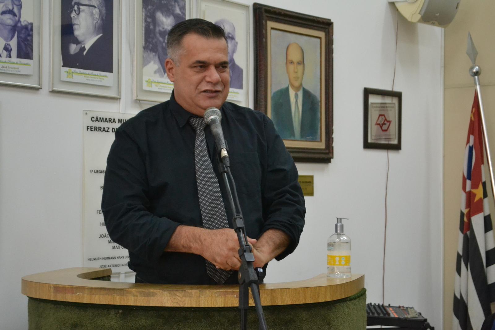 Vereador Inha cobra a recriação da pasta da Habitação para apressar regularização fundiária