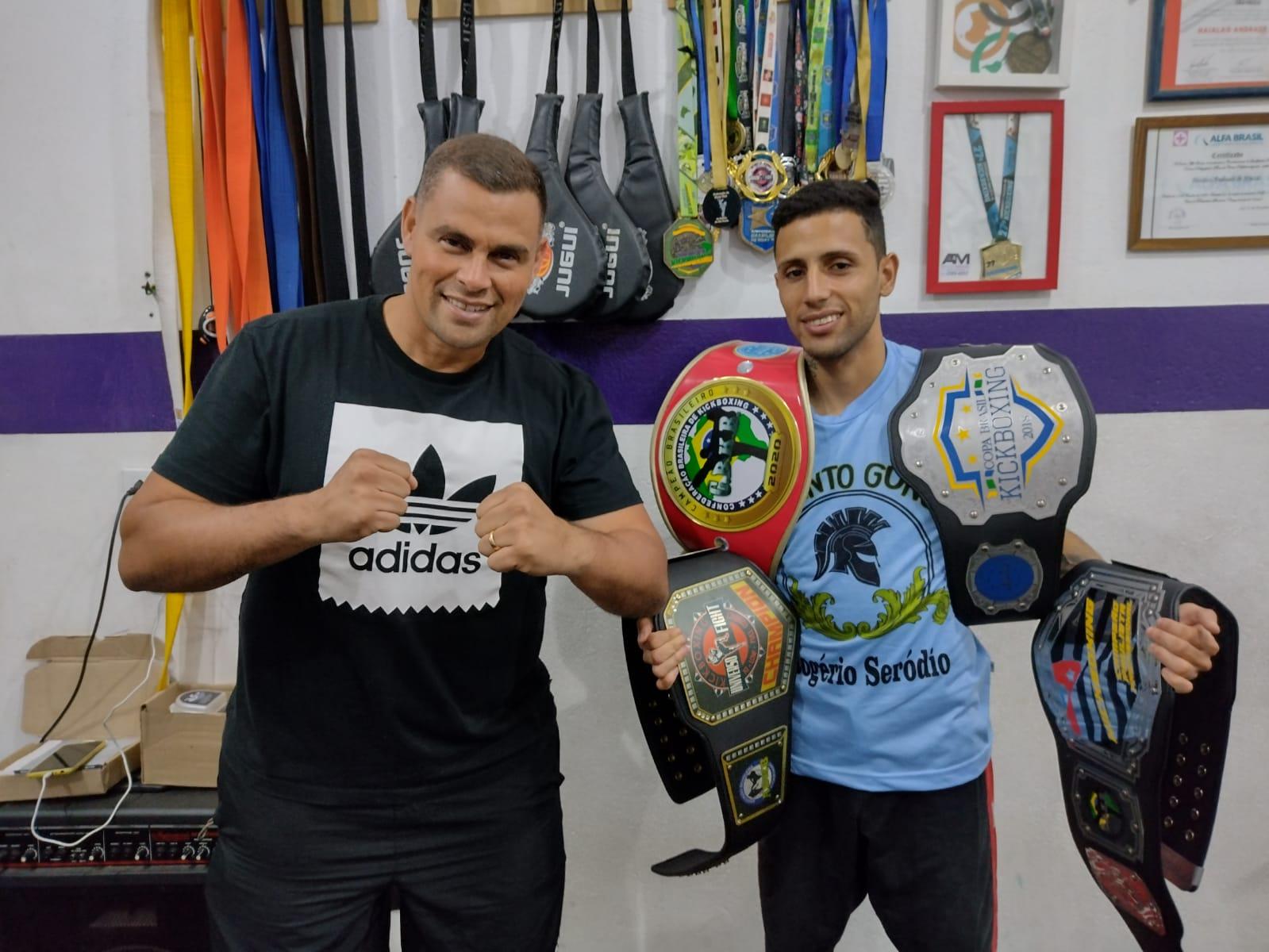 Lutador ferrazense representará o Brasil no campeonato mundial de kickboxing na Itália
